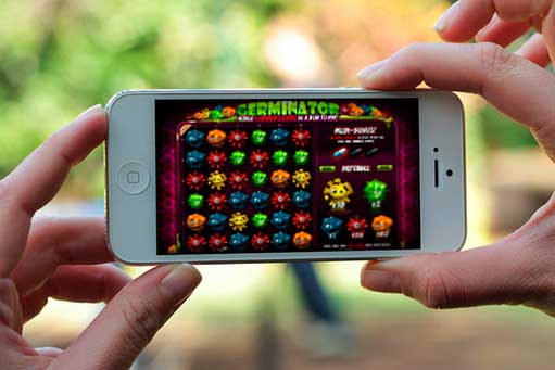 How To Get Started Gaming Online With An iPhone